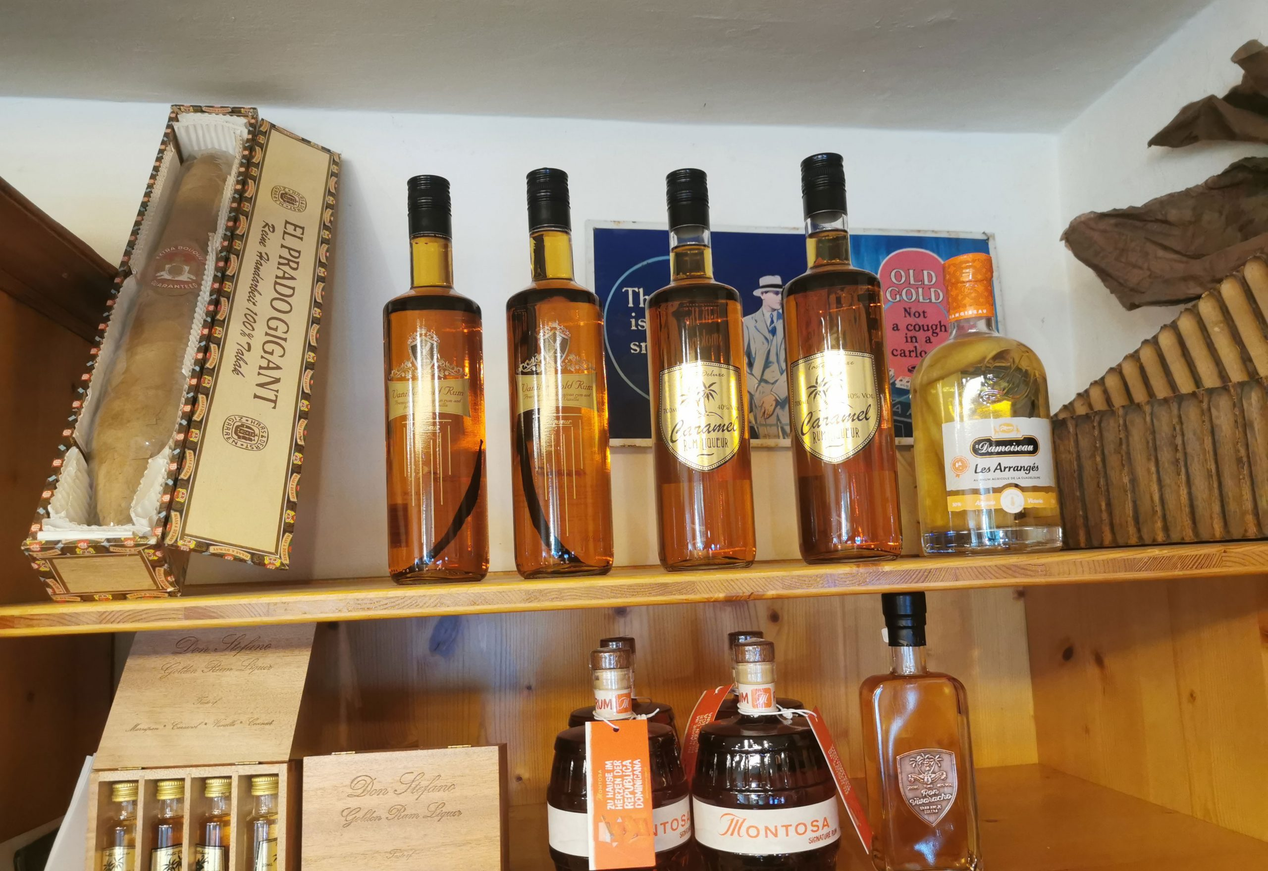 Spirituosen ( Rum + Rumliköre)